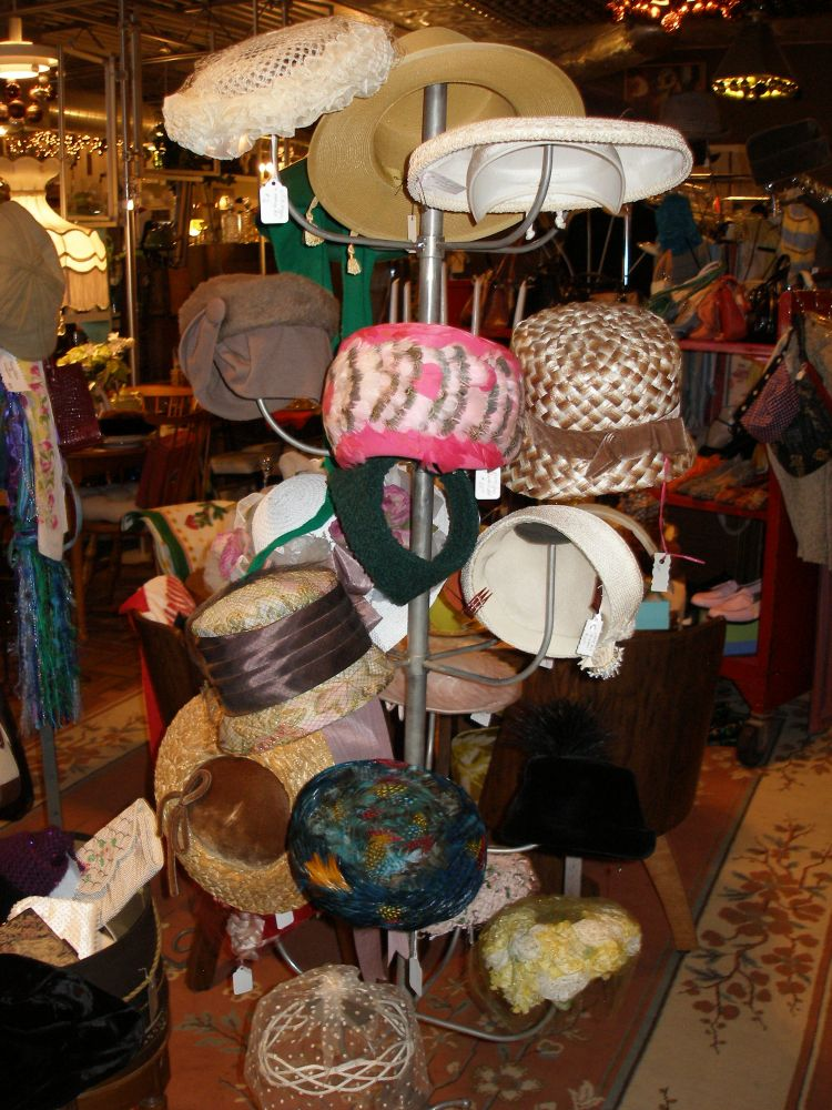 Find made-in-Michigan and vintage gifts at Iron Ivy (1/6)