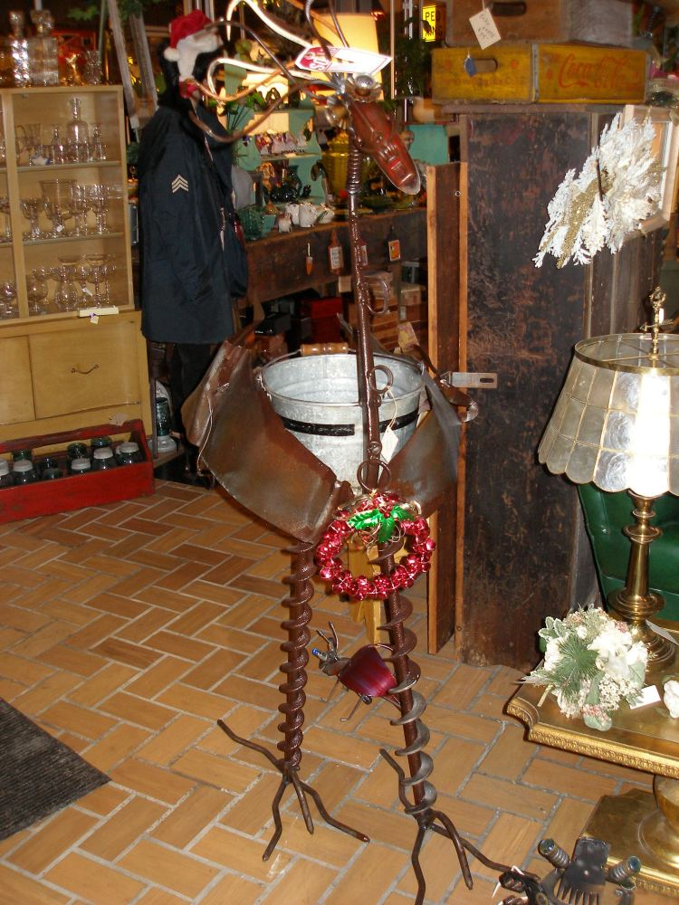 Find made-in-Michigan and vintage gifts at Iron Ivy (2/6)