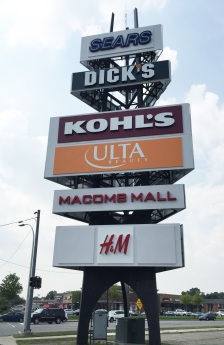 Macomb Mall sign