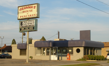 1-granmas-house-of-pancakes